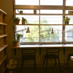 gain-Yの本棚と作業スペース